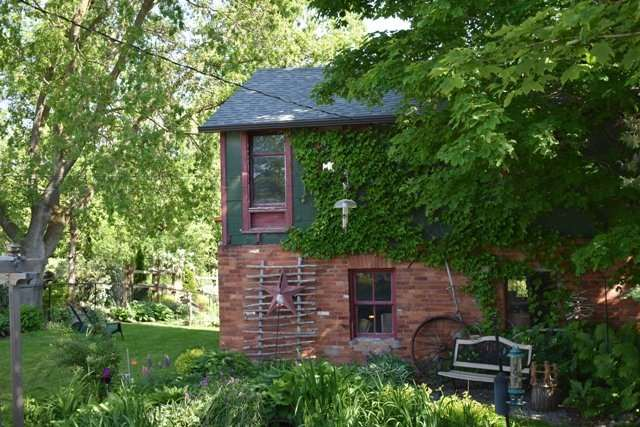 Detached at 206 Weir St, Clearview, Ontario. Image 10