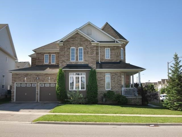Detached at 9 The Queensway St, Barrie, Ontario. Image 1