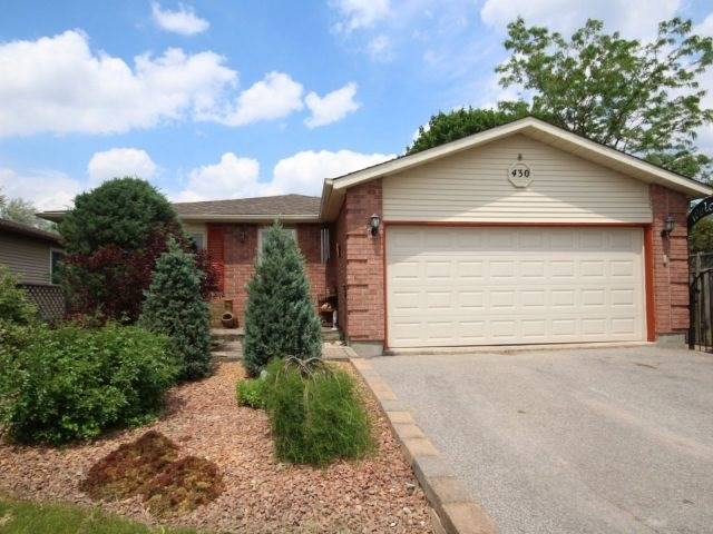 Detached at 430 Grove  St E, Barrie, Ontario. Image 1