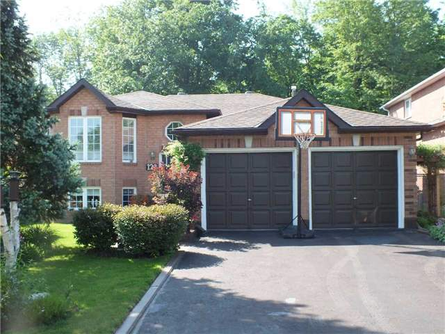 Detached at 128 Crompton Dr, Barrie, Ontario. Image 1