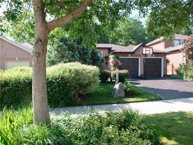 Detached at 128 Crompton Dr, Barrie, Ontario. Image 12