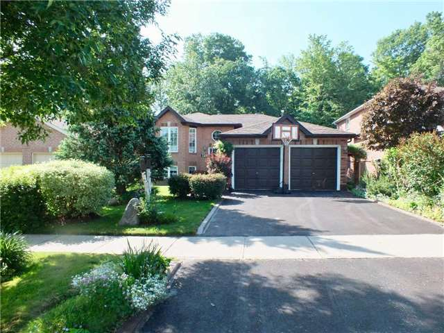 Detached at 128 Crompton Dr, Barrie, Ontario. Image 13
