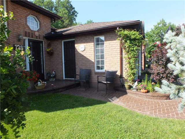 Detached at 128 Crompton Dr, Barrie, Ontario. Image 15