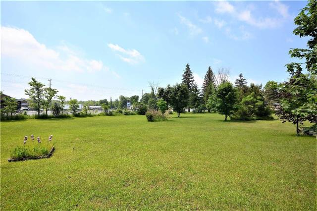 Detached at 2498 11 Hwy, Oro-Medonte, Ontario. Image 5