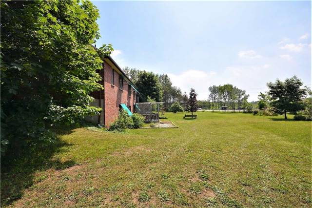 Detached at 2498 11 Hwy, Oro-Medonte, Ontario. Image 7