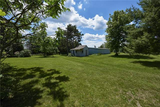 Detached at 1972 Vespra Valley Rd, Springwater, Ontario. Image 6