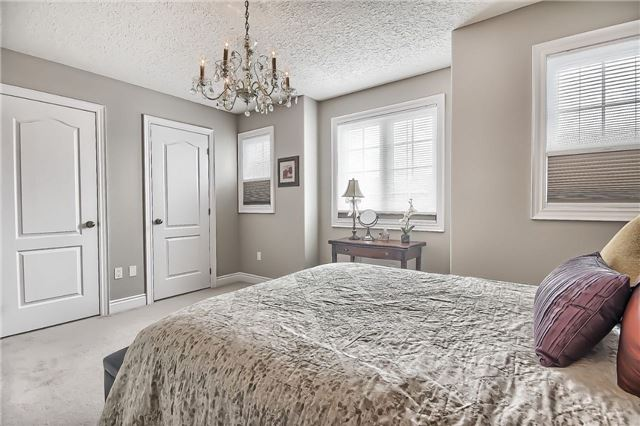 Detached at 48 Booth Lane, Barrie, Ontario. Image 6