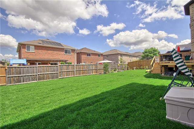 Detached at 48 Booth Lane, Barrie, Ontario. Image 11