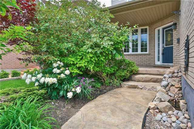 Detached at 73 Balmoral Pl, Barrie, Ontario. Image 12