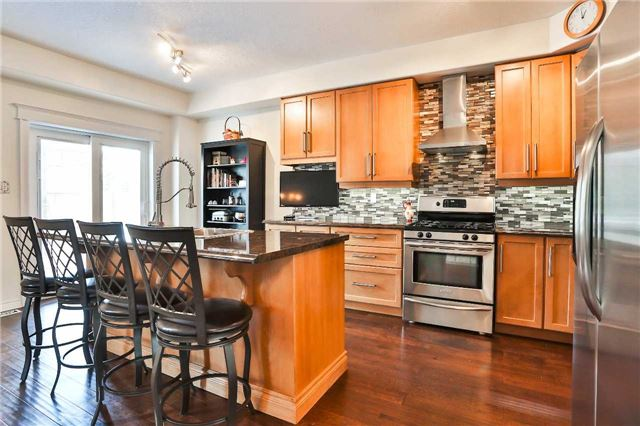 Detached at 73 Balmoral Pl, Barrie, Ontario. Image 16