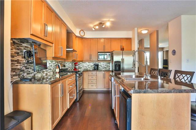 Detached at 73 Balmoral Pl, Barrie, Ontario. Image 17