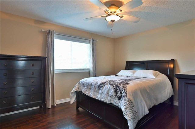 Detached at 73 Balmoral Pl, Barrie, Ontario. Image 20