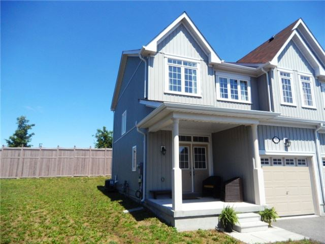 Townhouse at 70 Pearcey Cres, Barrie, Ontario. Image 1