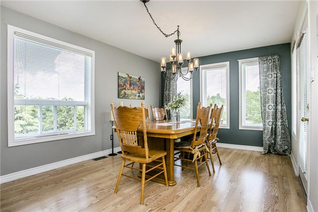 Detached at 55 Wallwins Way, Barrie, Ontario. Image 11