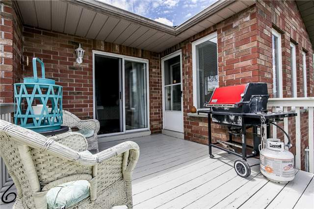 Detached at 55 Wallwins Way, Barrie, Ontario. Image 6