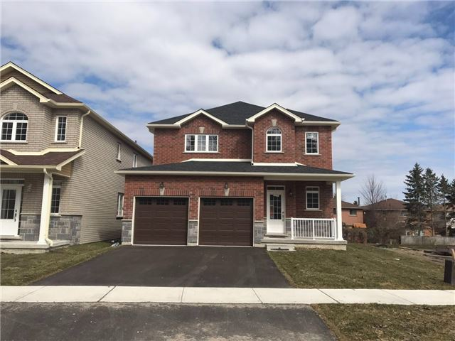 Detached at 185 Bishop Dr, Barrie, Ontario. Image 1