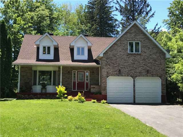 Detached at 11 Little Lake Dr, Barrie, Ontario. Image 1