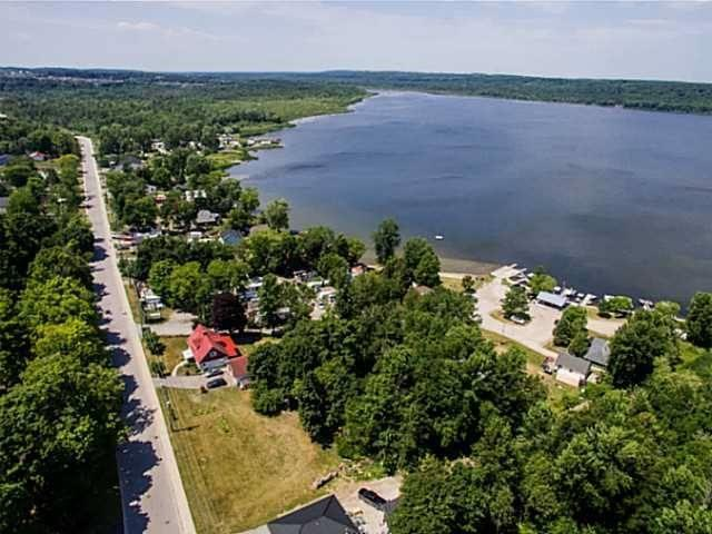 Detached at 11 Little Lake Dr, Barrie, Ontario. Image 12