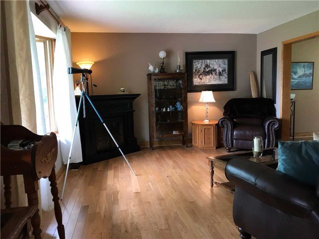Detached at 11 Little Lake Dr, Barrie, Ontario. Image 17