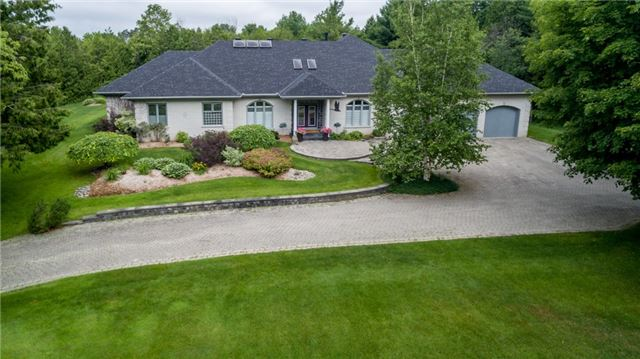 Detached at 8 Mcgowan Pl, Springwater, Ontario. Image 1