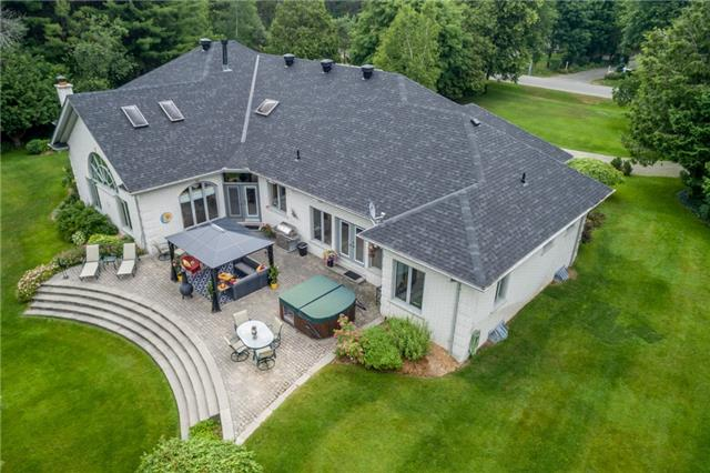 Detached at 8 Mcgowan Pl, Springwater, Ontario. Image 12