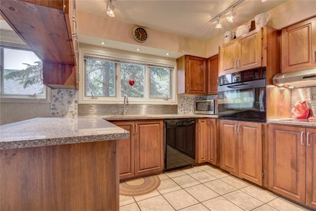 Detached at 238 Robins Point Rd Rd, Tay, Ontario. Image 7