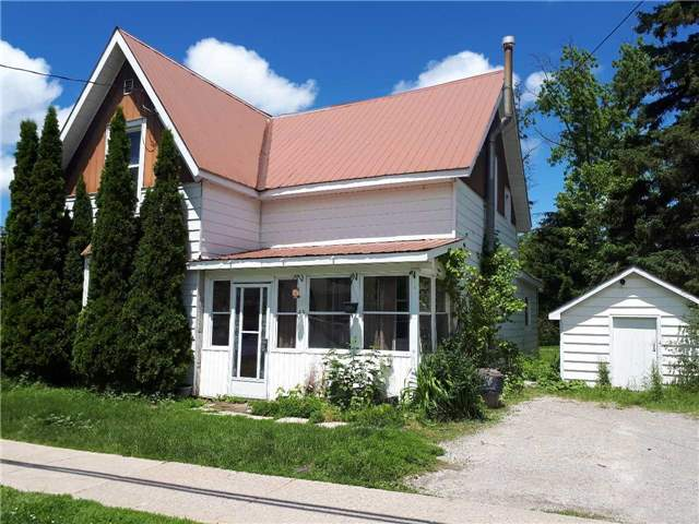 Detached at 43 Burke St, Penetanguishene, Ontario. Image 1