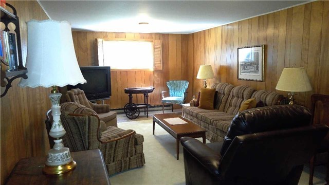 Detached at 223 Rose St, Barrie, Ontario. Image 5