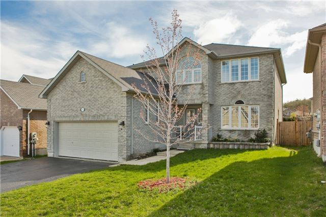 Detached at 418 Mapleton Ave, Barrie, Ontario. Image 1