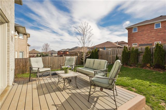 Detached at 418 Mapleton Ave, Barrie, Ontario. Image 12