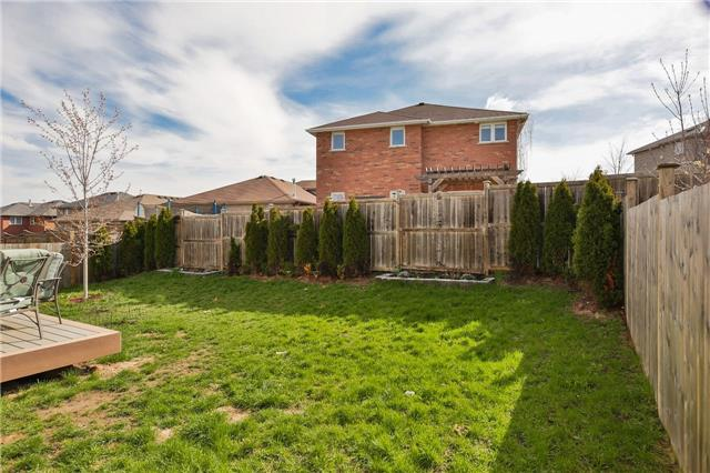 Detached at 418 Mapleton Ave, Barrie, Ontario. Image 14