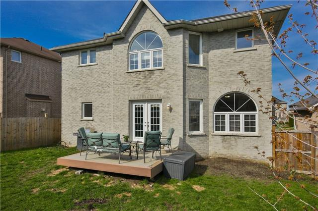 Detached at 418 Mapleton Ave, Barrie, Ontario. Image 15