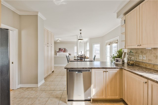 Detached at 418 Mapleton Ave, Barrie, Ontario. Image 20