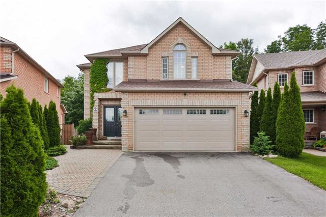 Detached at 13 Mckenzie Cres, Barrie, Ontario. Image 1