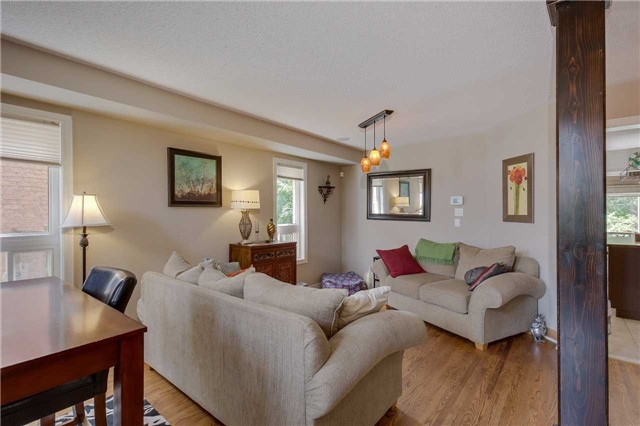 Detached at 13 Mckenzie Cres, Barrie, Ontario. Image 15
