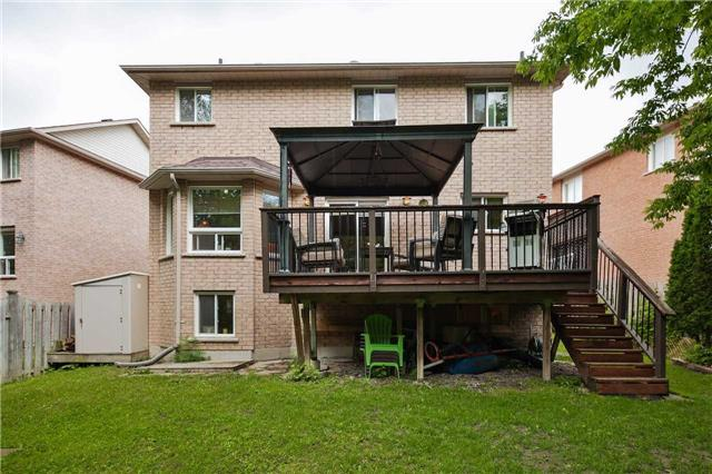 Detached at 13 Mckenzie Cres, Barrie, Ontario. Image 2