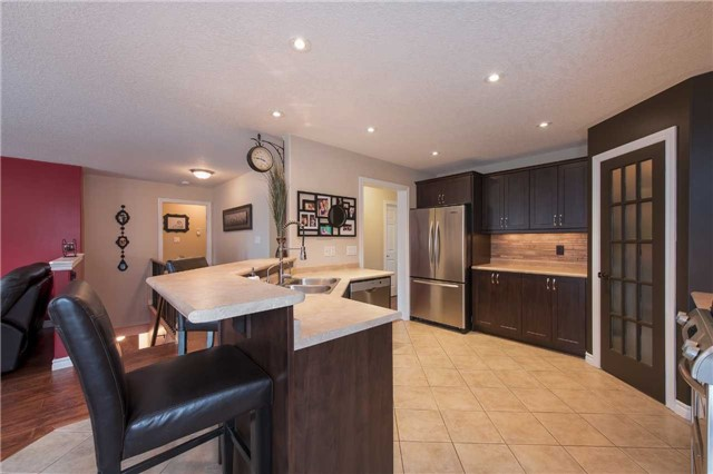 Detached at 282 Pringle Dr, Barrie, Ontario. Image 18