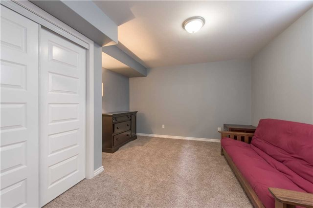 Detached at 282 Pringle Dr, Barrie, Ontario. Image 9