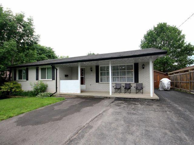 Detached at 51 Glenwood Dr, Barrie, Ontario. Image 1