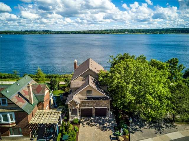 Detached at 1 Kempenfelt Dr, Barrie, Ontario. Image 12