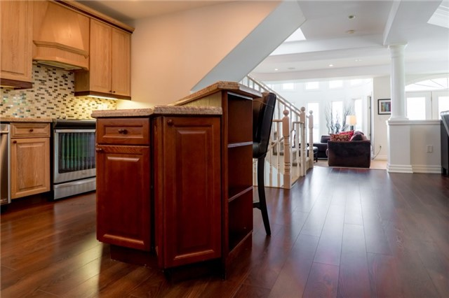 Detached at 1 Kempenfelt Dr, Barrie, Ontario. Image 18