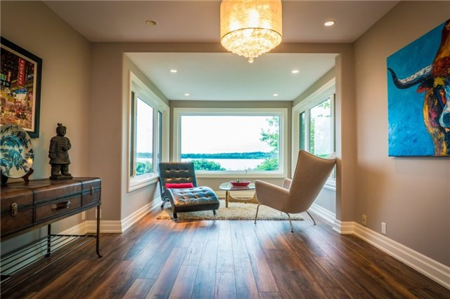 Detached at 1 Kempenfelt Dr, Barrie, Ontario. Image 5