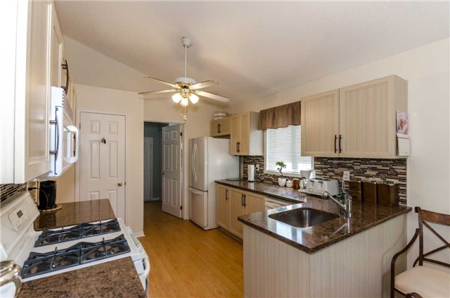 Detached at 65 Herrell Ave, Barrie, Ontario. Image 19