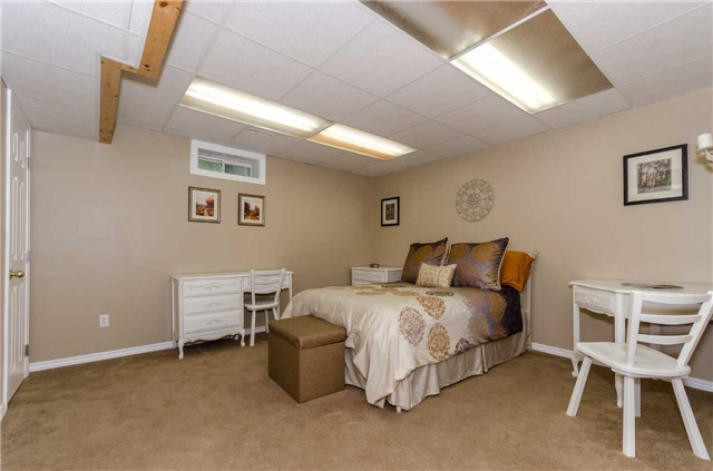 Detached at 65 Herrell Ave, Barrie, Ontario. Image 8