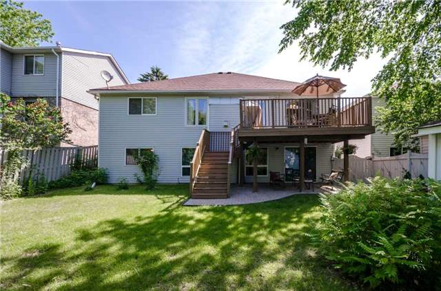 Detached at 65 Herrell Ave, Barrie, Ontario. Image 13