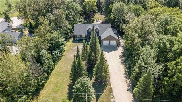 Detached at 1328 Strongville Rd, Clearview, Ontario. Image 11