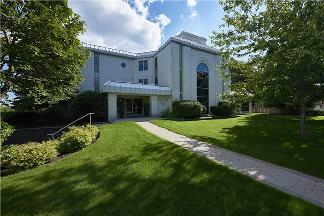 Condo Apartment at 233 Blake St, Barrie, Ontario. Image 1