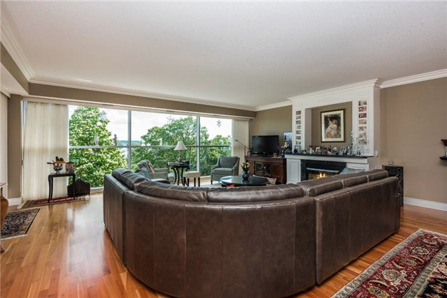 Condo Apartment at 233 Blake St, Barrie, Ontario. Image 14