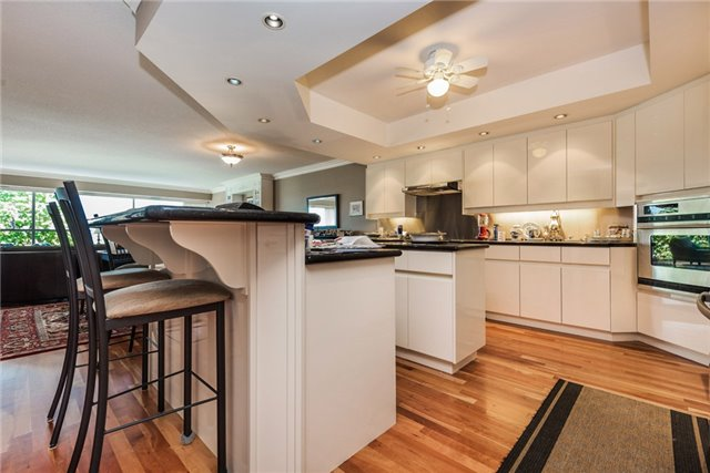 Condo Apartment at 233 Blake St, Barrie, Ontario. Image 3