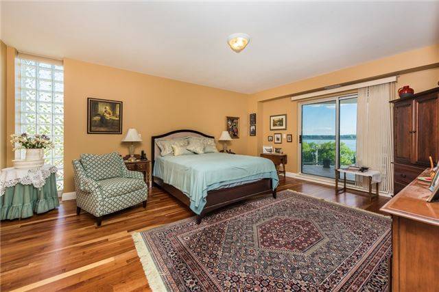 Condo Apartment at 233 Blake St, Barrie, Ontario. Image 5